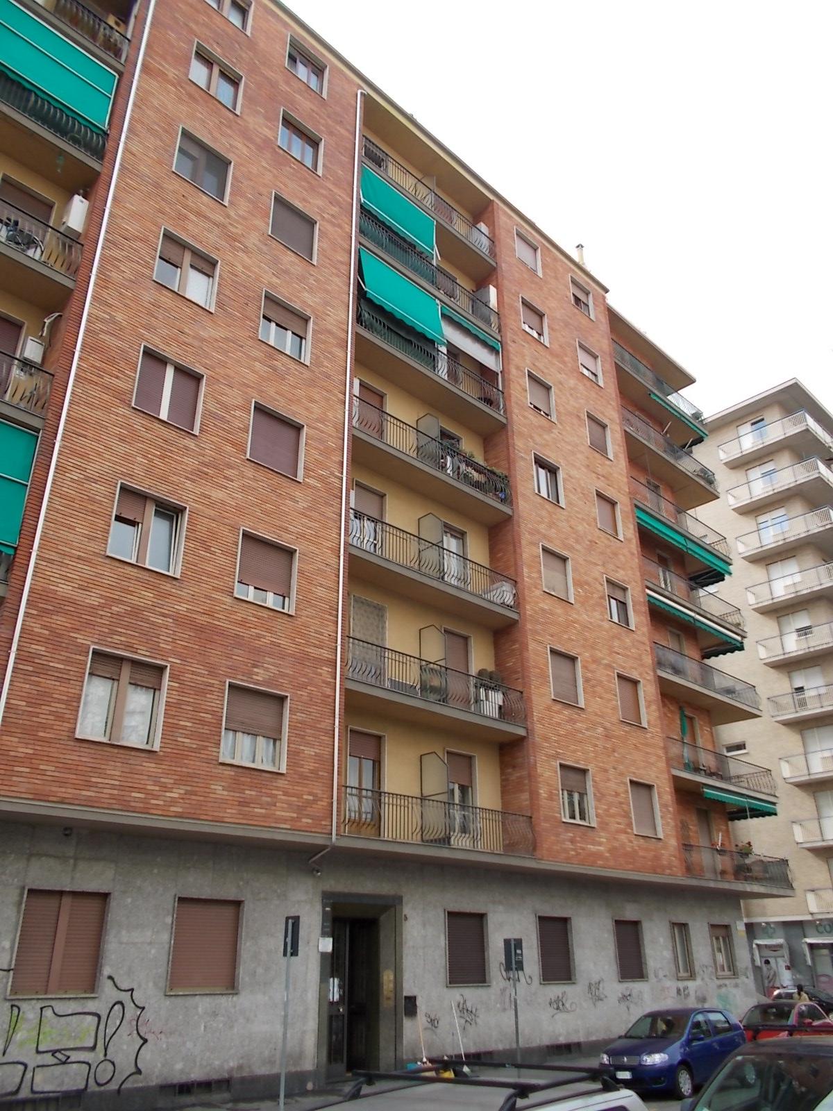 Affitto appartamento arredato lingotto bertolino for Appartamento affitto aprilia arredato